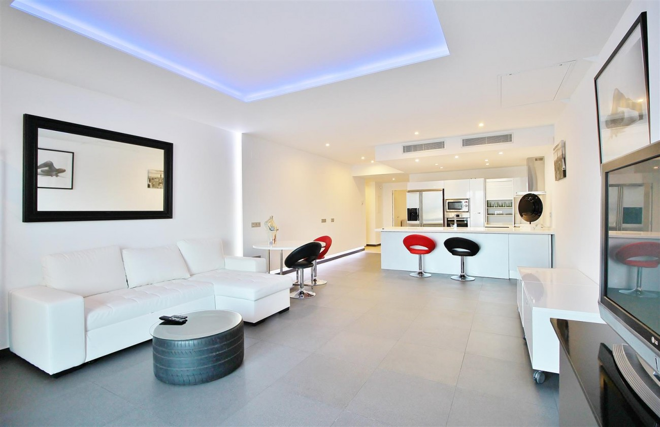 Luxury Apartment for sale Puerto Banus Marbella Spain (10) (Large)