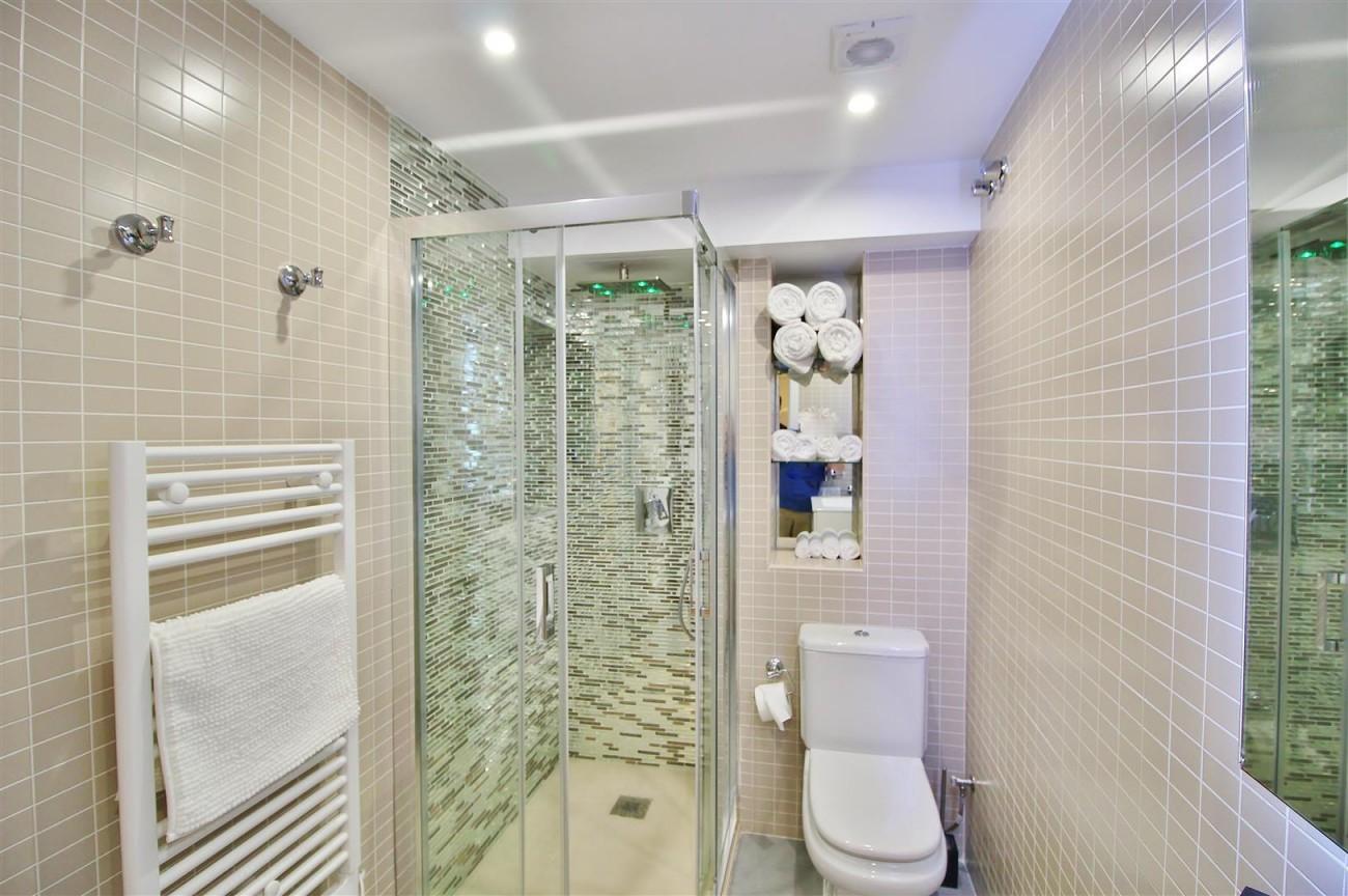 Luxury Apartment for sale Puerto Banus Marbella Spain (11) (Large)