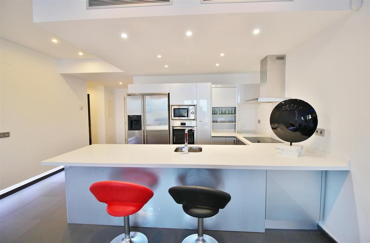 Luxury Apartment for sale Puerto Banus Marbella Spain (13) (Large)