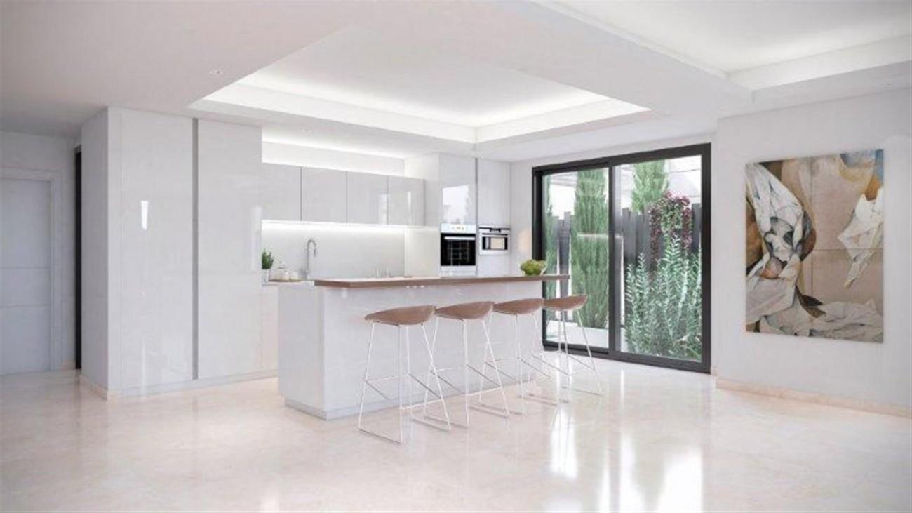 Modern Villas for sale Marbella Golden Mile Spain (4) (Large)