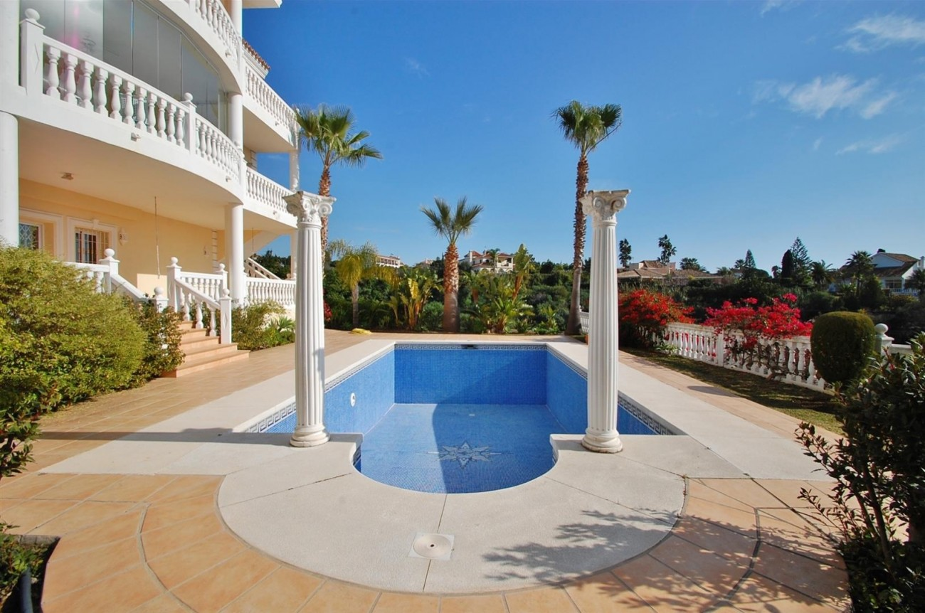 Luxury Villa for sale East of Marbella (22) (Large)
