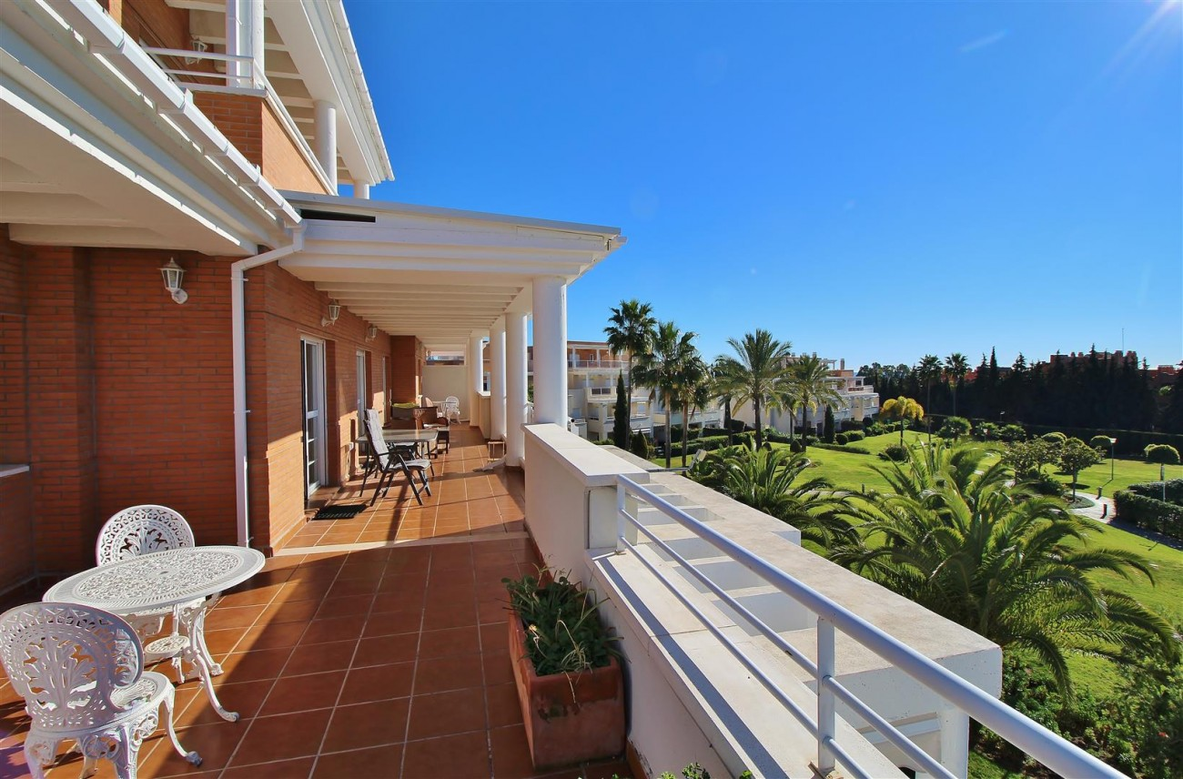 Penthouse Duplex for sale Estepona Marbella Spain (31) (Large)