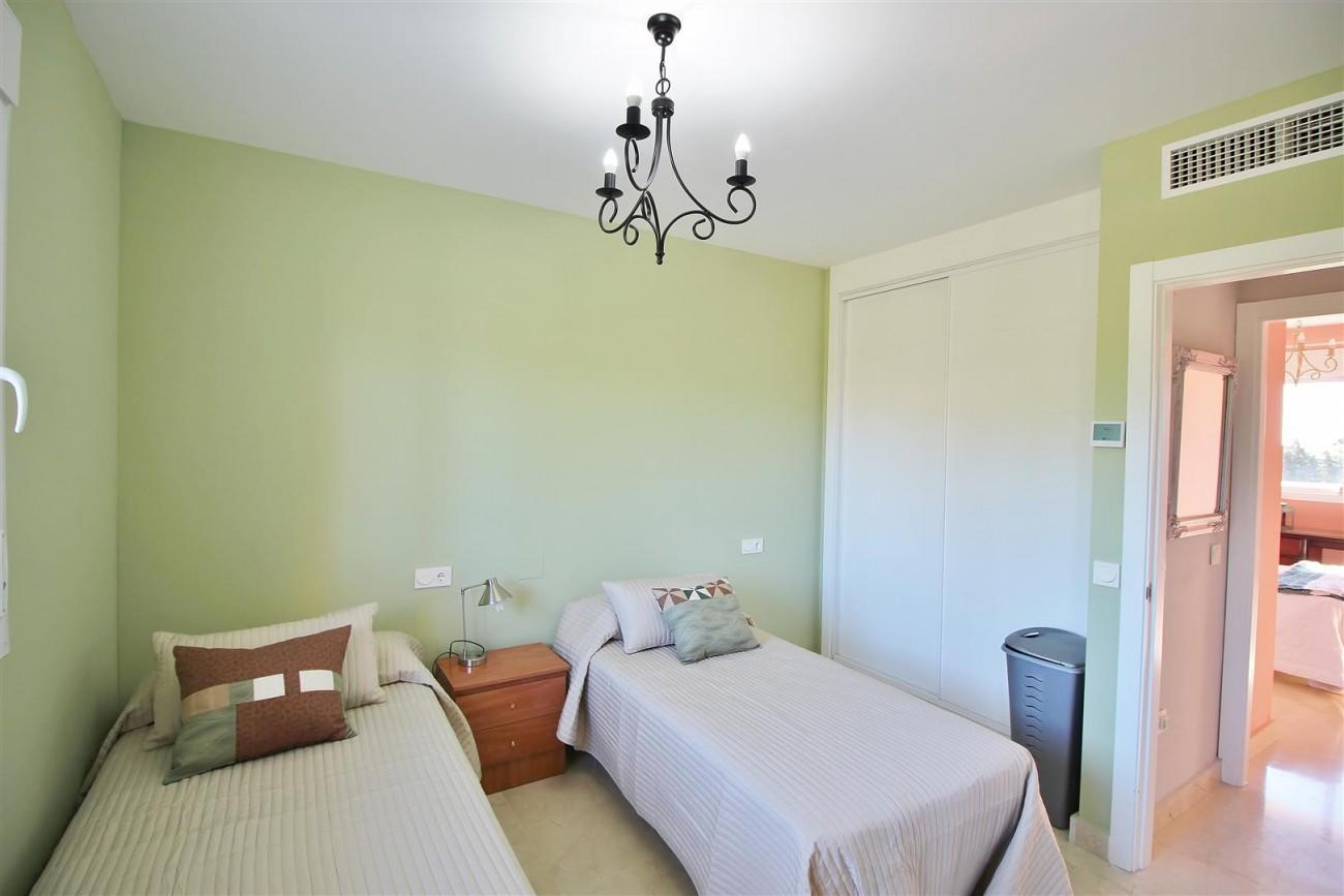 Penthouse Duplex for sale Estepona Marbella Spain (38) (Large)