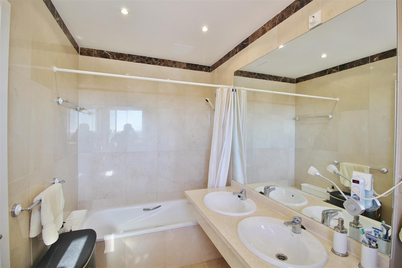 Penthouse Duplex for sale Estepona Marbella Spain (43) (Large)