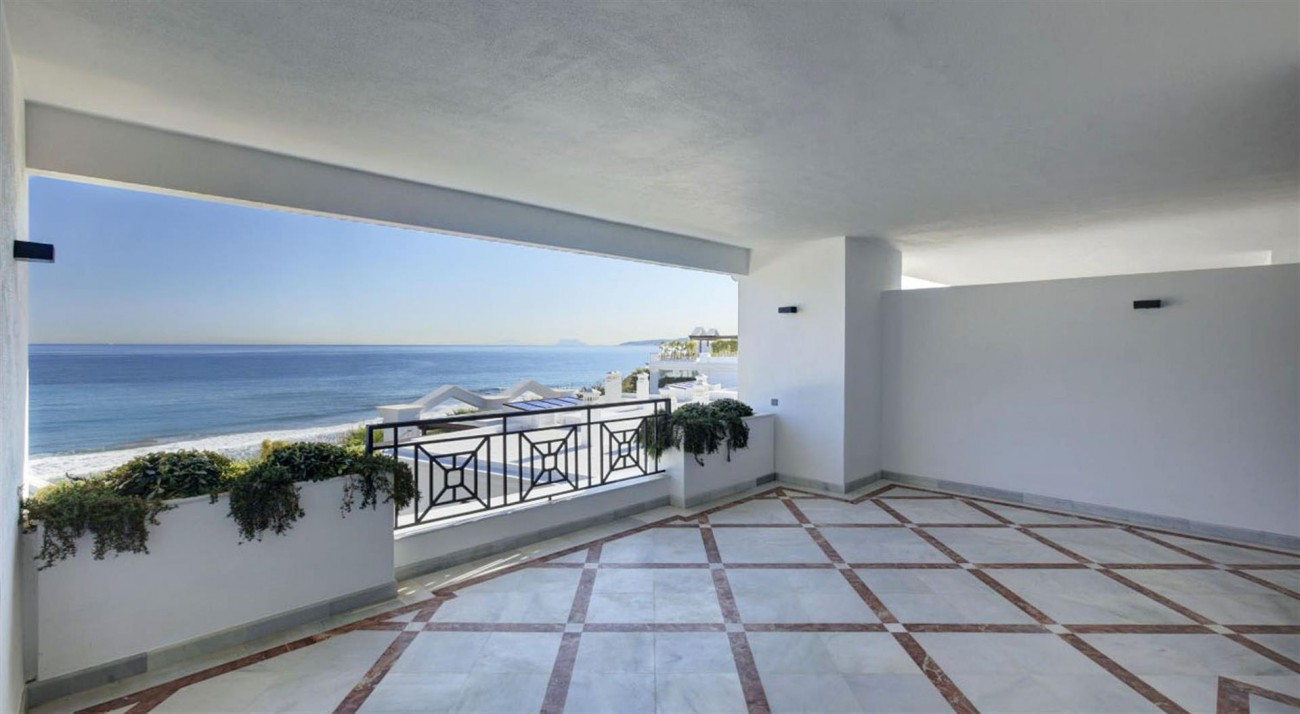 Frontline Beach Luxury Apartments Estepona Spain (5) (Large)