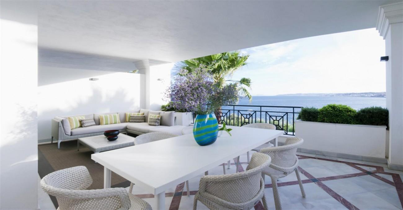 Frontline Beach Luxury Apartments Estepona Spain (3) (Large)