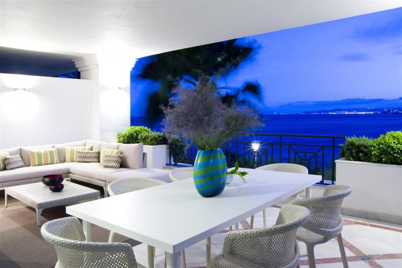 Frontline Beach Luxury Apartments Estepona Spain (4) (Large)