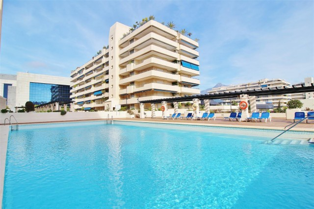 Apartment for Sale - 389.000€ - Puerto Banús, Costa del Sol - Ref: 5731