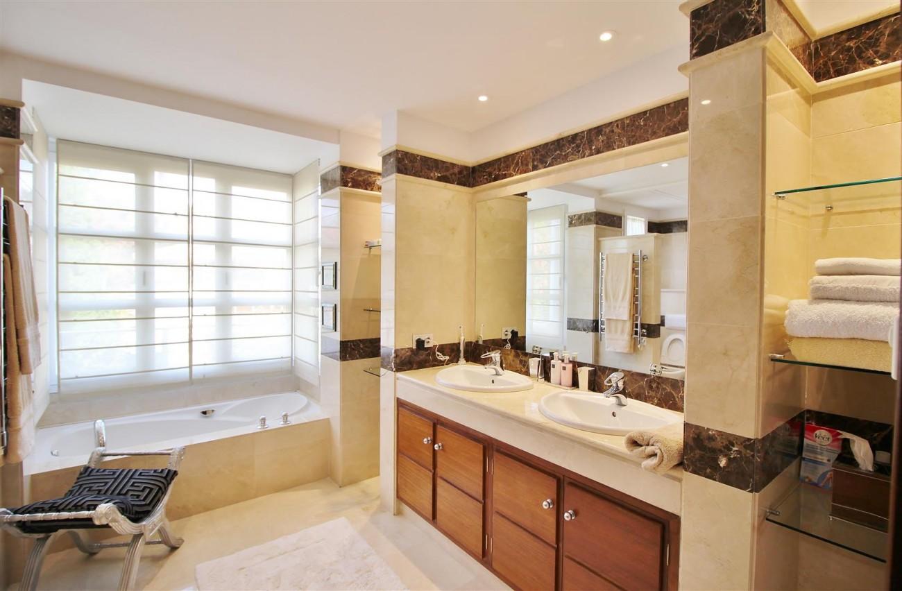 Luxury Villa for sale Nueva Andalucia Marbella Spain (17) (Large)