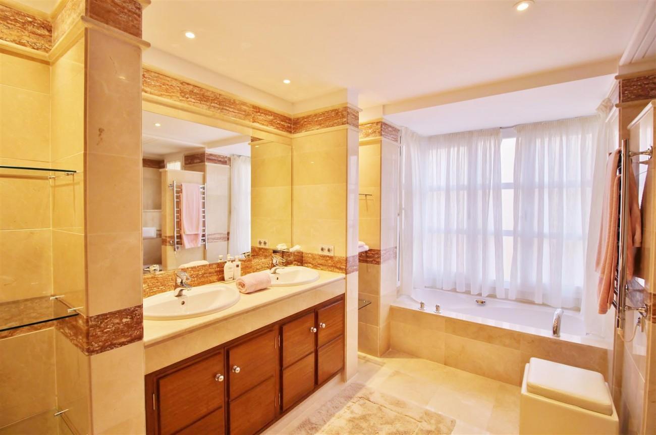 Luxury Villa for sale Nueva Andalucia Marbella Spain (34) (Large)