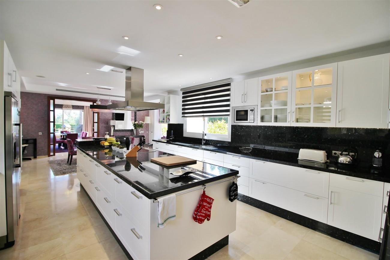 Luxury Villa for sale Nueva Andalucia Marbella Spain (44) (Large)
