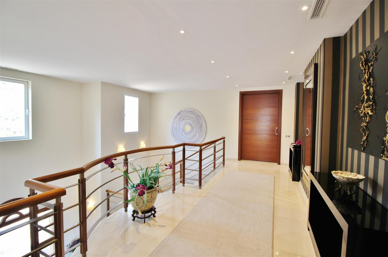 Luxury Villa for sale Nueva Andalucia Marbella Spain (61) (Large)