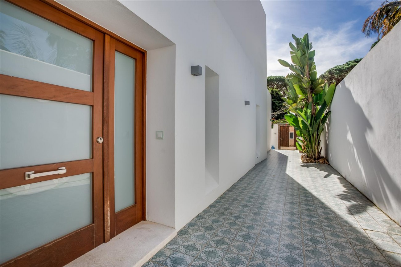 Modern Beachside Villa for sale Marbella Golden Mile Spain (1) (Large)