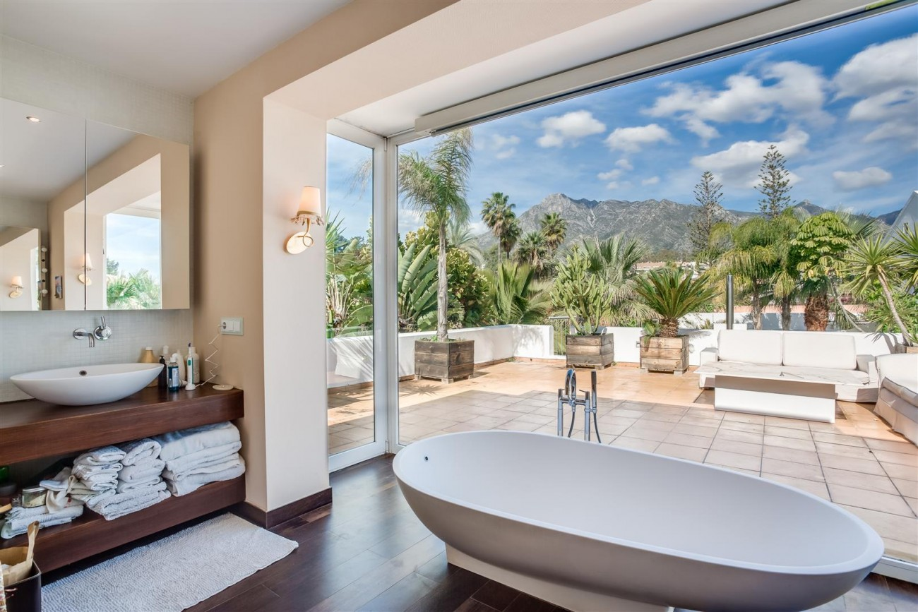 Modern Beachside Villa for sale Marbella Golden Mile Spain (8) (Large)