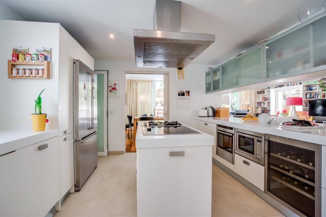 Modern Beachside Villa for sale Marbella Golden Mile Spain (11) (Large)