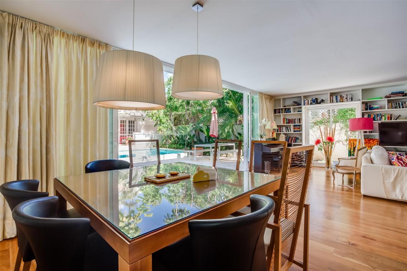 Modern Beachside Villa for sale Marbella Golden Mile Spain (12) (Large)