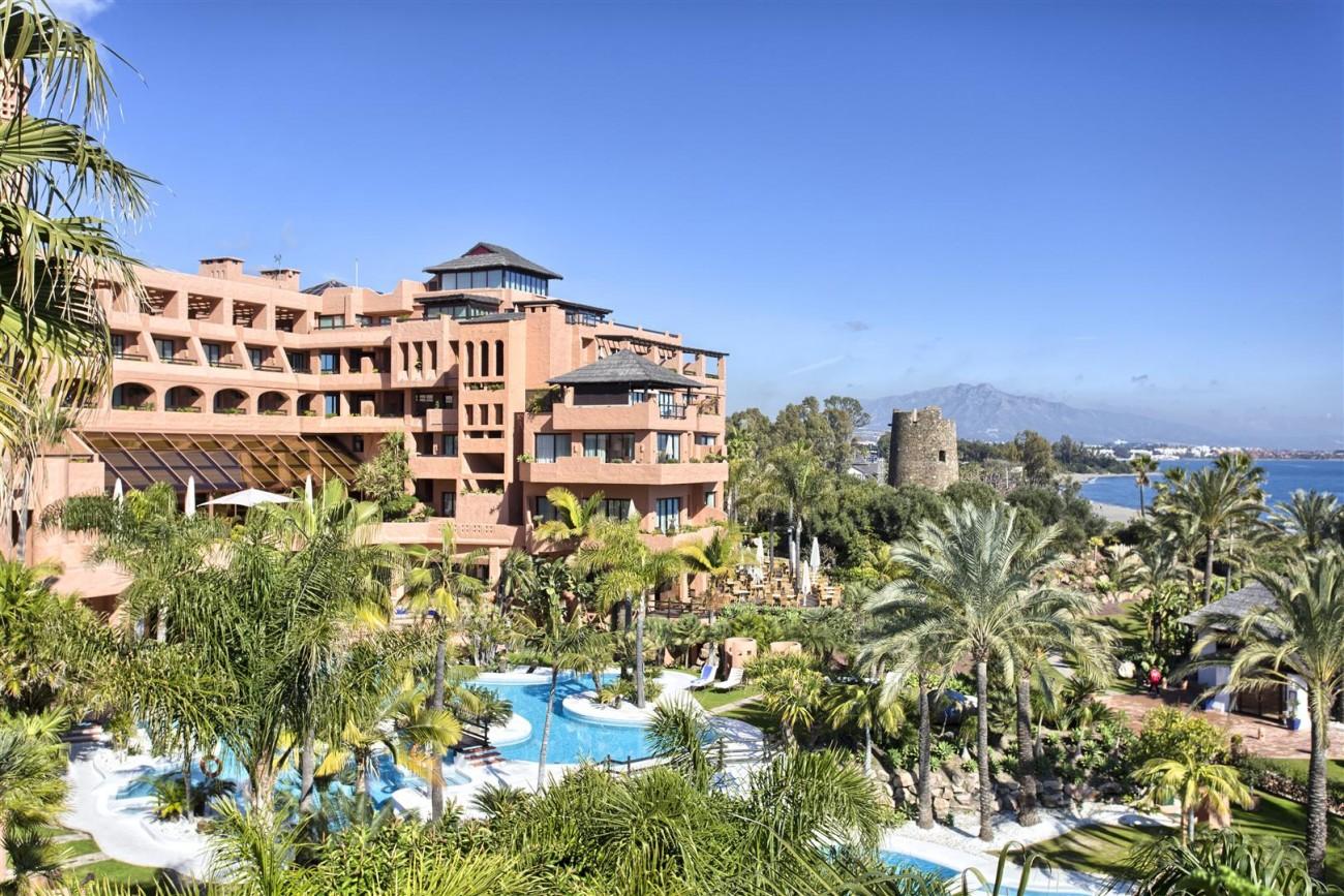 Frontline Beach Luxury Penthouse For Sale Estepona Spain (1)