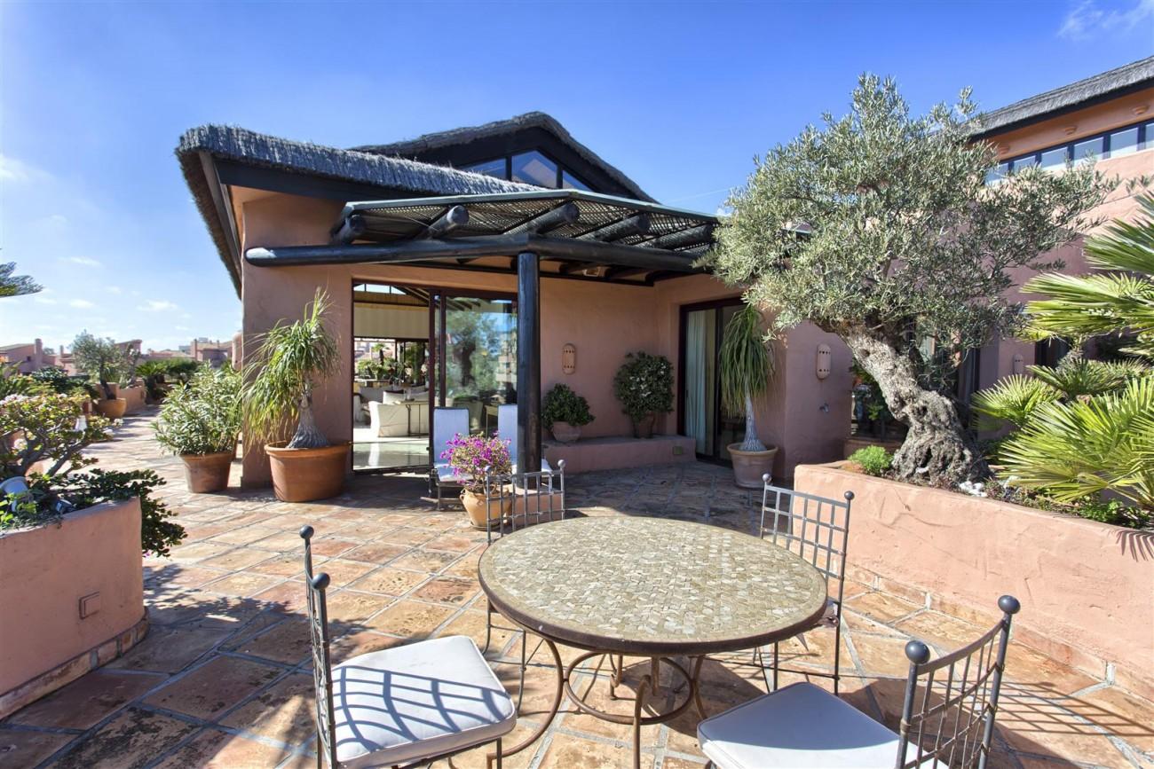Frontline Beach Luxury Penthouse For Sale Estepona Spain (3)