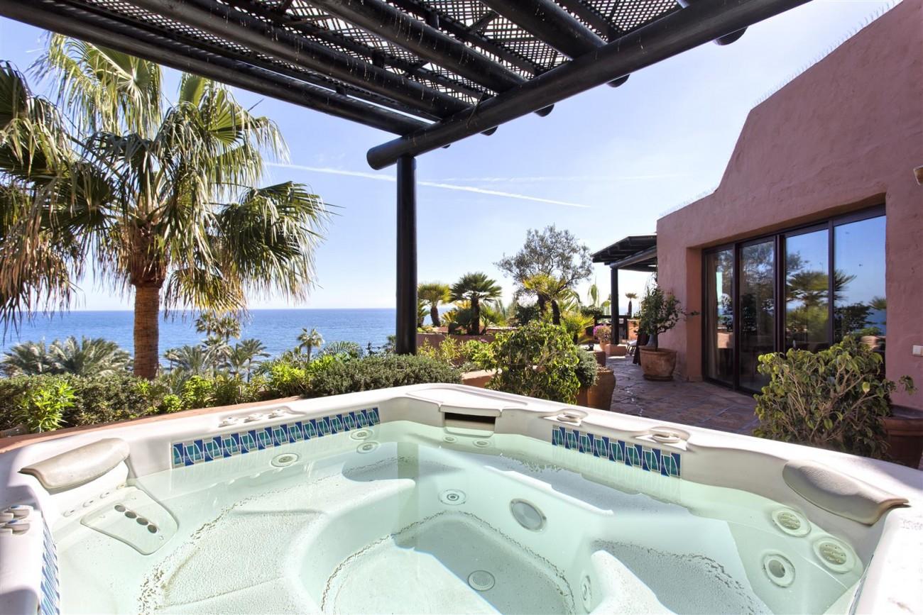 Frontline Beach Luxury Penthouse For Sale Estepona Spain (4)