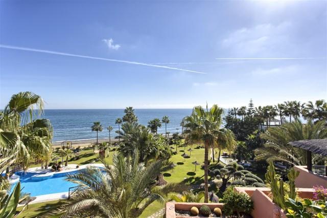 Penthouse for Sale - 3.500.000€ - Estepona, Costa del Sol - Ref: 5736