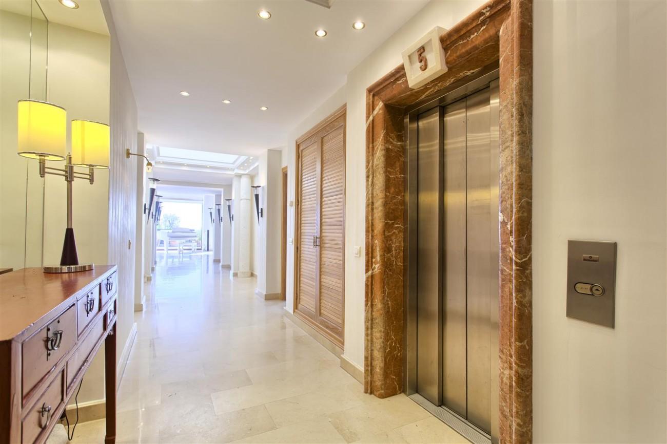 Frontline Beach Luxury Penthouse For Sale Estepona Spain (6)