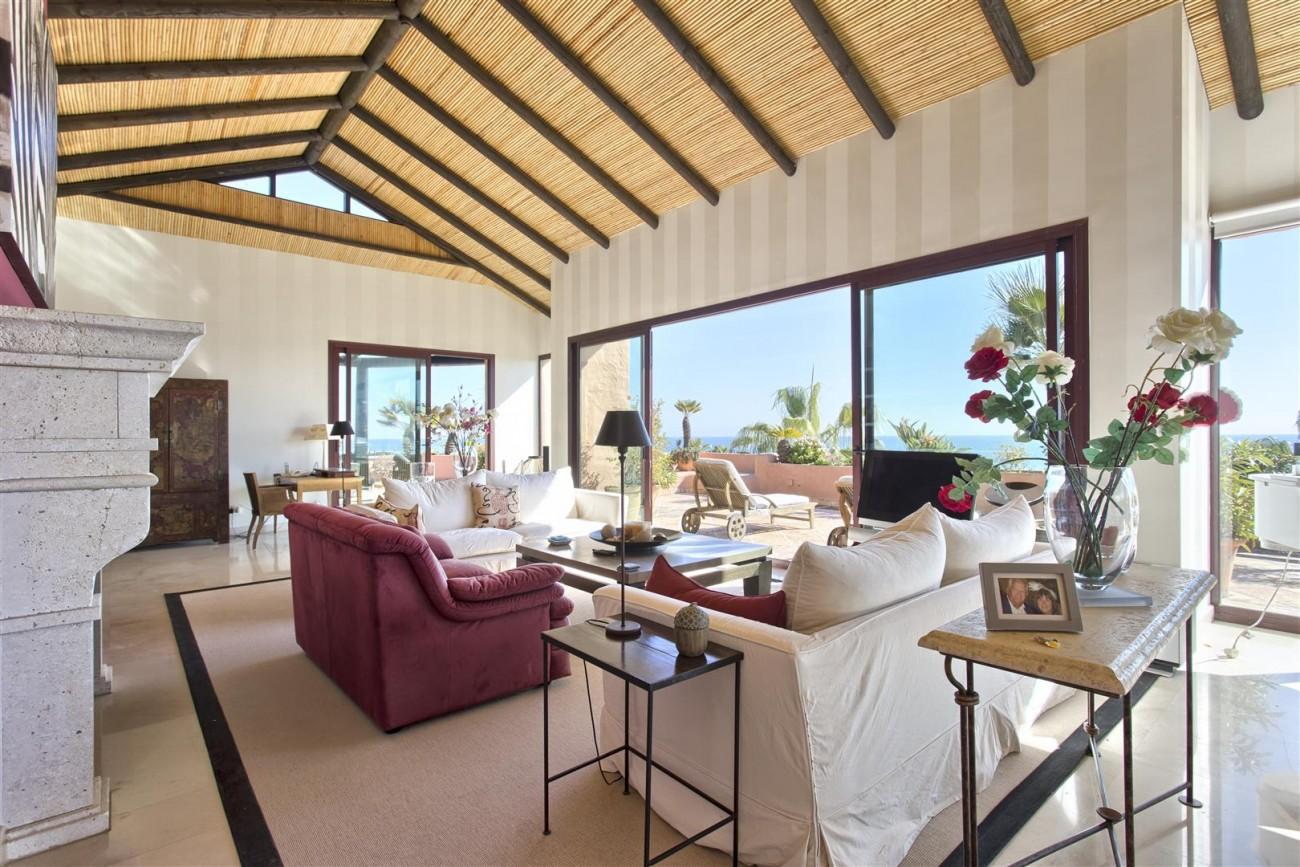 Frontline Beach Luxury Penthouse For Sale Estepona Spain (7)