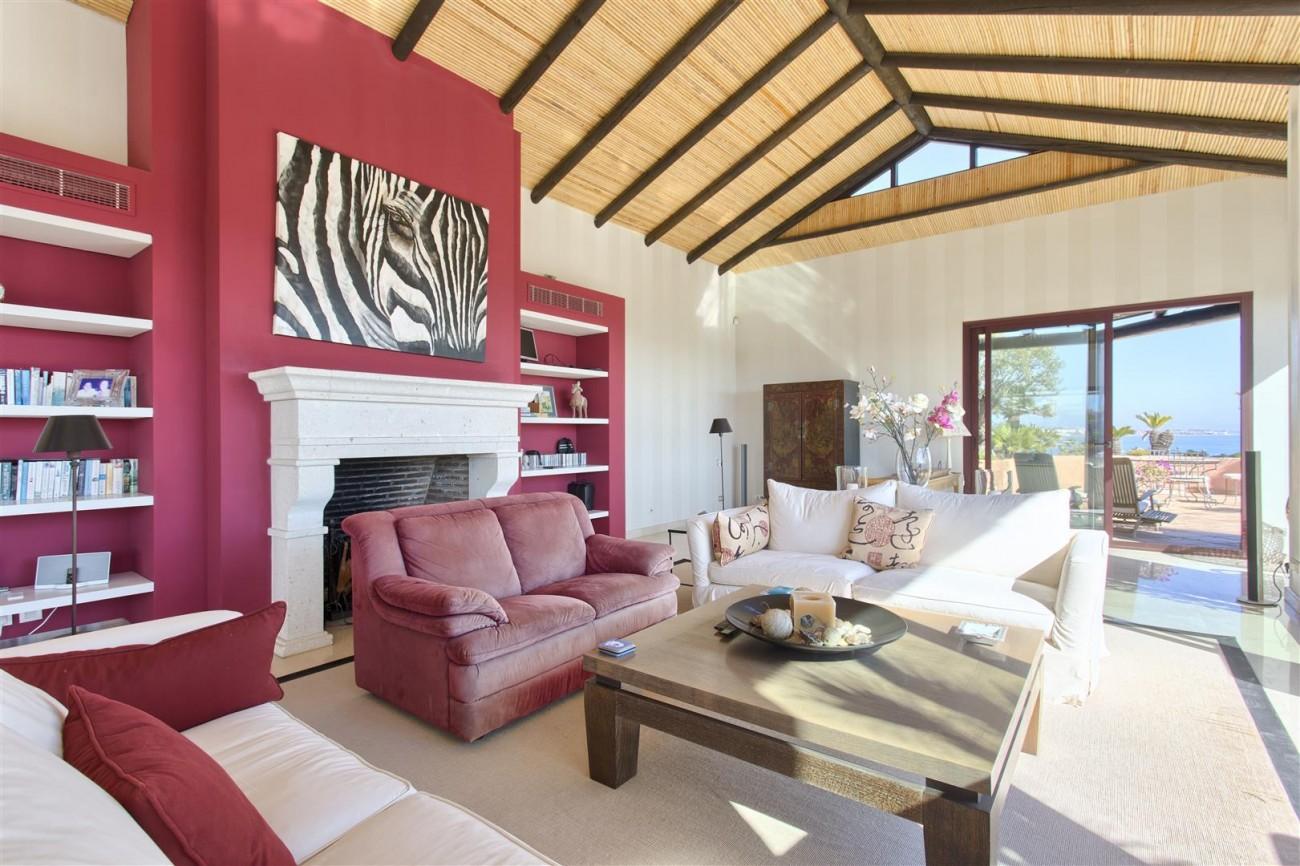 Frontline Beach Luxury Penthouse For Sale Estepona Spain (8)