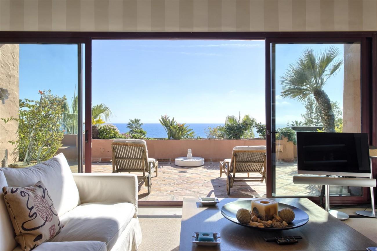 Frontline Beach Luxury Penthouse For Sale Estepona Spain (9)