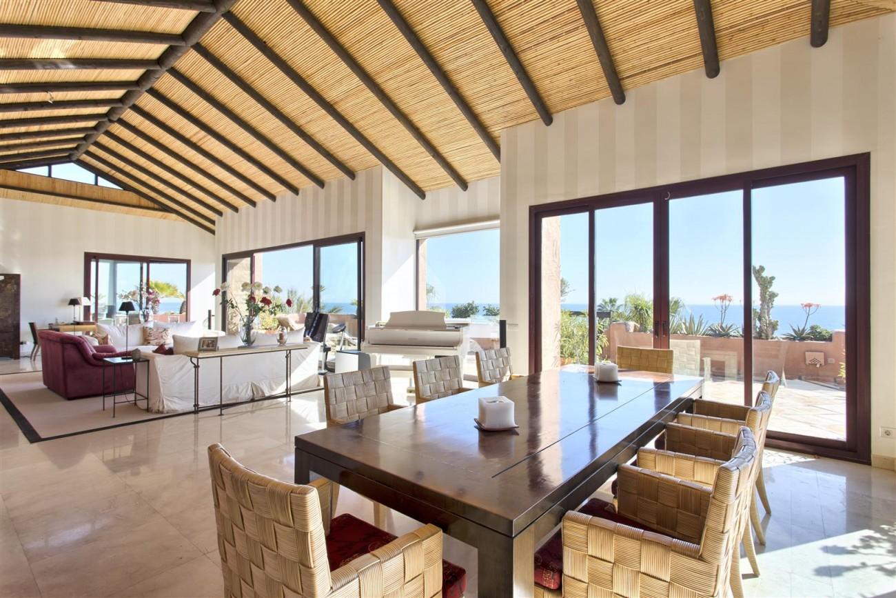 Frontline Beach Luxury Penthouse For Sale Estepona Spain (10)