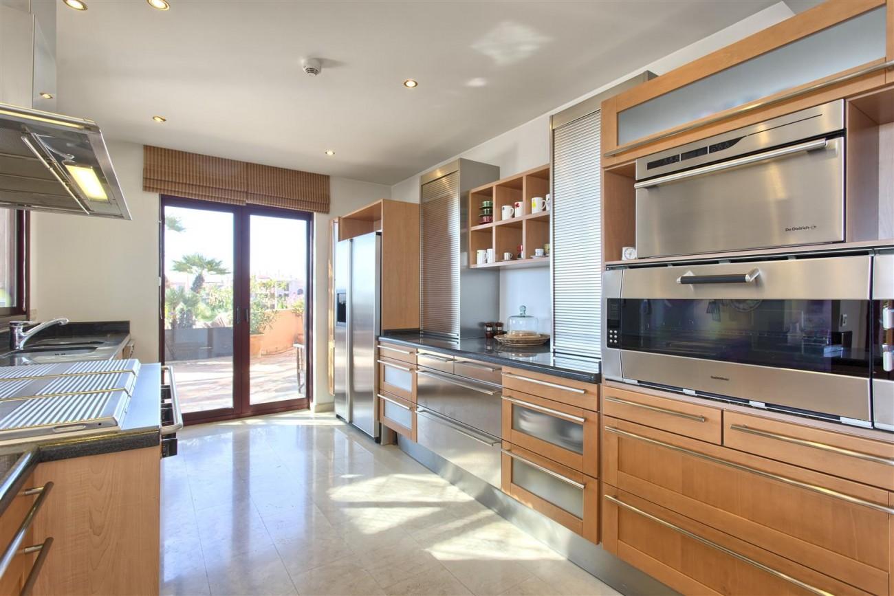 Frontline Beach Luxury Penthouse For Sale Estepona Spain (11)