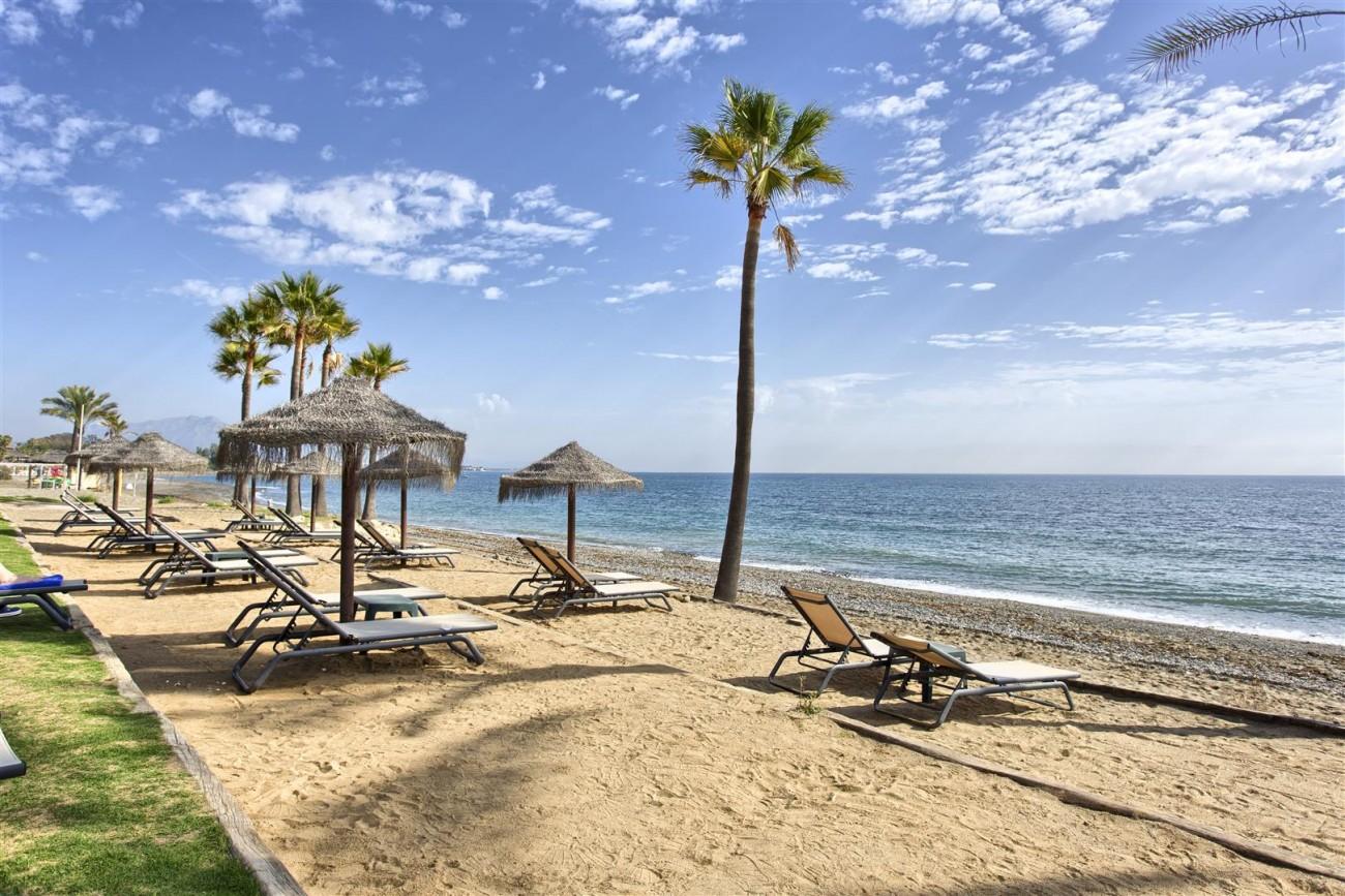 Frontline Beach Luxury Penthouse For Sale Estepona Spain (19)