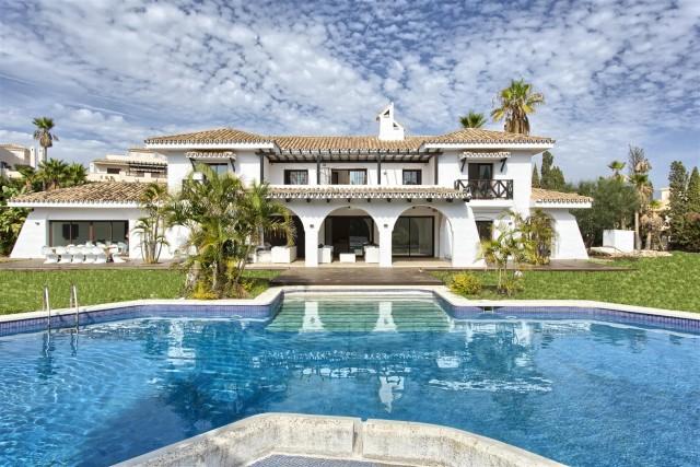 Villa for Sale - 3.450.000€ - Nueva Andalucía, Costa del Sol - Ref: 5737