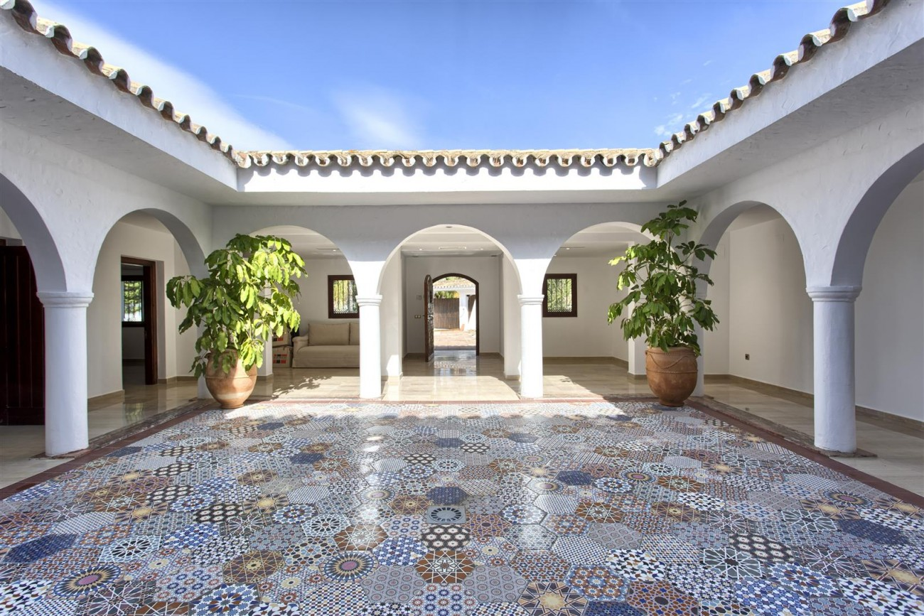 Luxury Villa for sale Nueva Andalucia Marbella Spain (4) (Large)