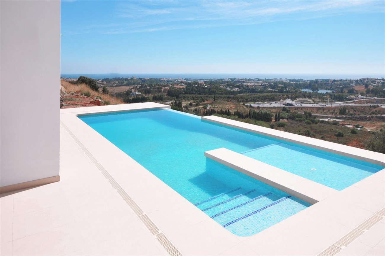 Beautiful Modern Contemporary Villa for sale Benahavis Spain (18) (Large)