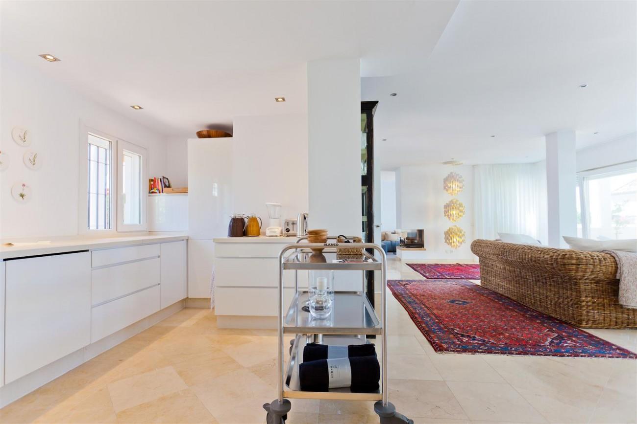 Luxury Villa for sale East Marbella Spain (11) (Large)