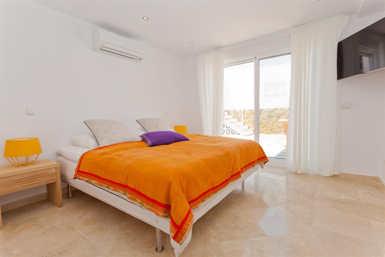 Luxury Villa for sale East Marbella Spain (22) (Large)