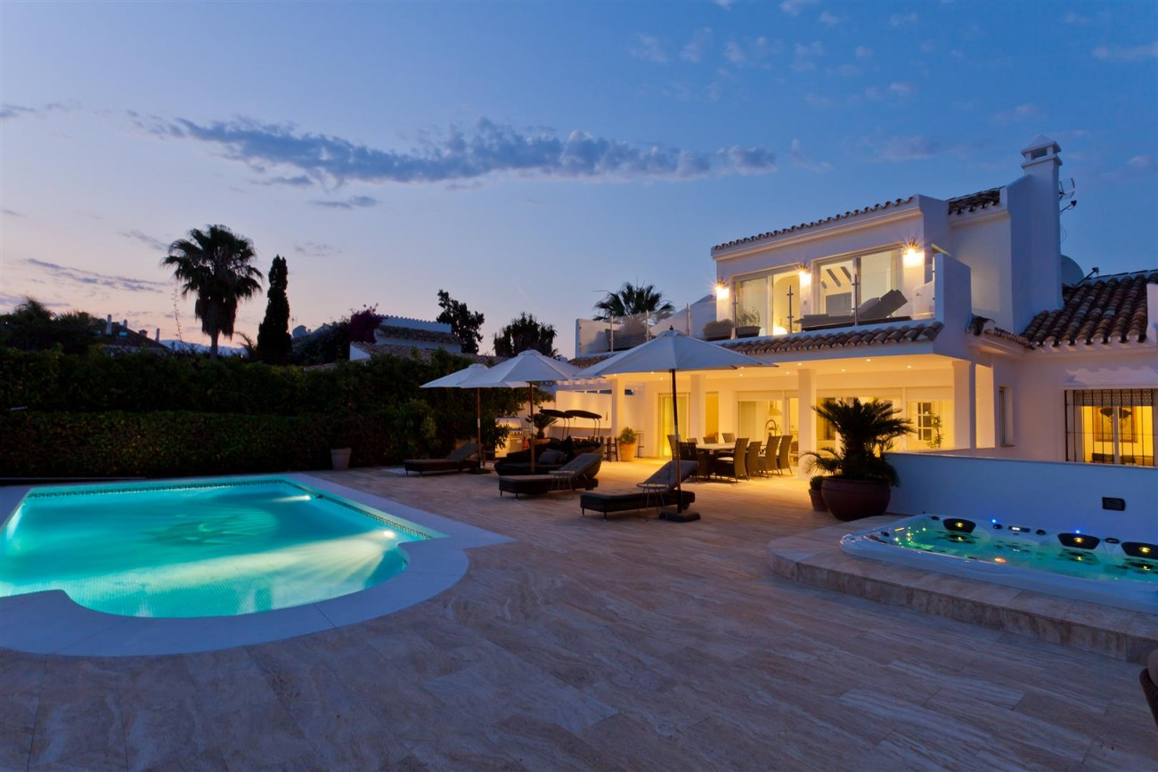 Luxury Villa for sale East Marbella Spain (33) (Large)