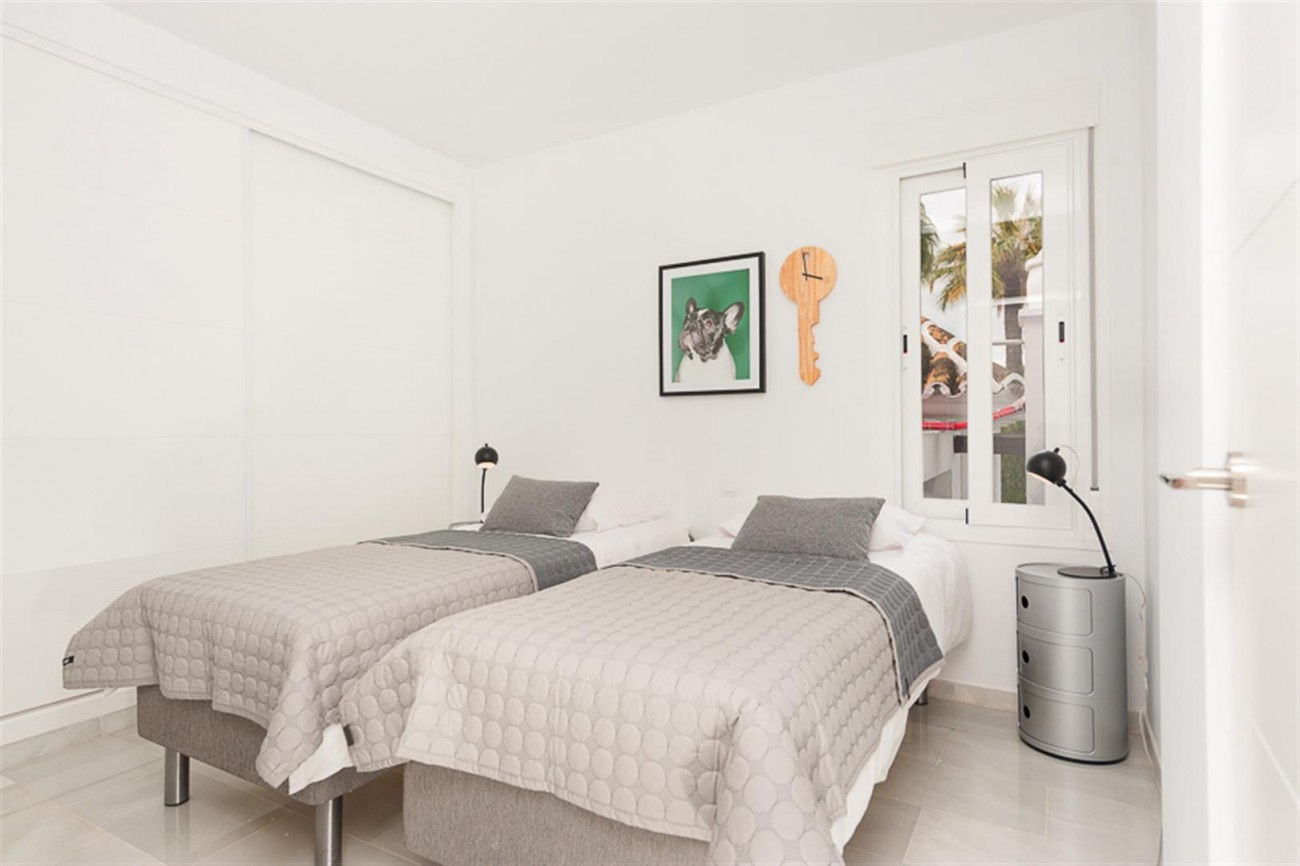 Apartment for sale Close to Puerto Banus (11) (Large)