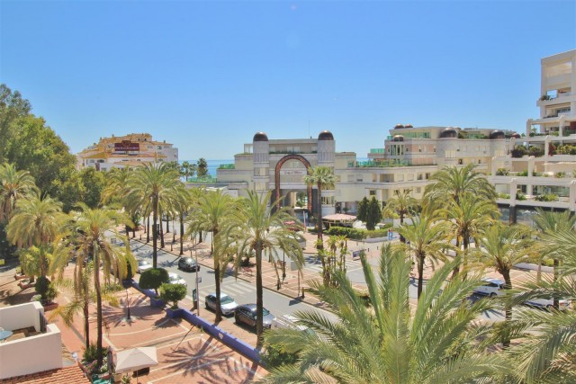 Apartment for Sale - 695.000€ - Puerto Banús, Costa del Sol - Ref: 5749