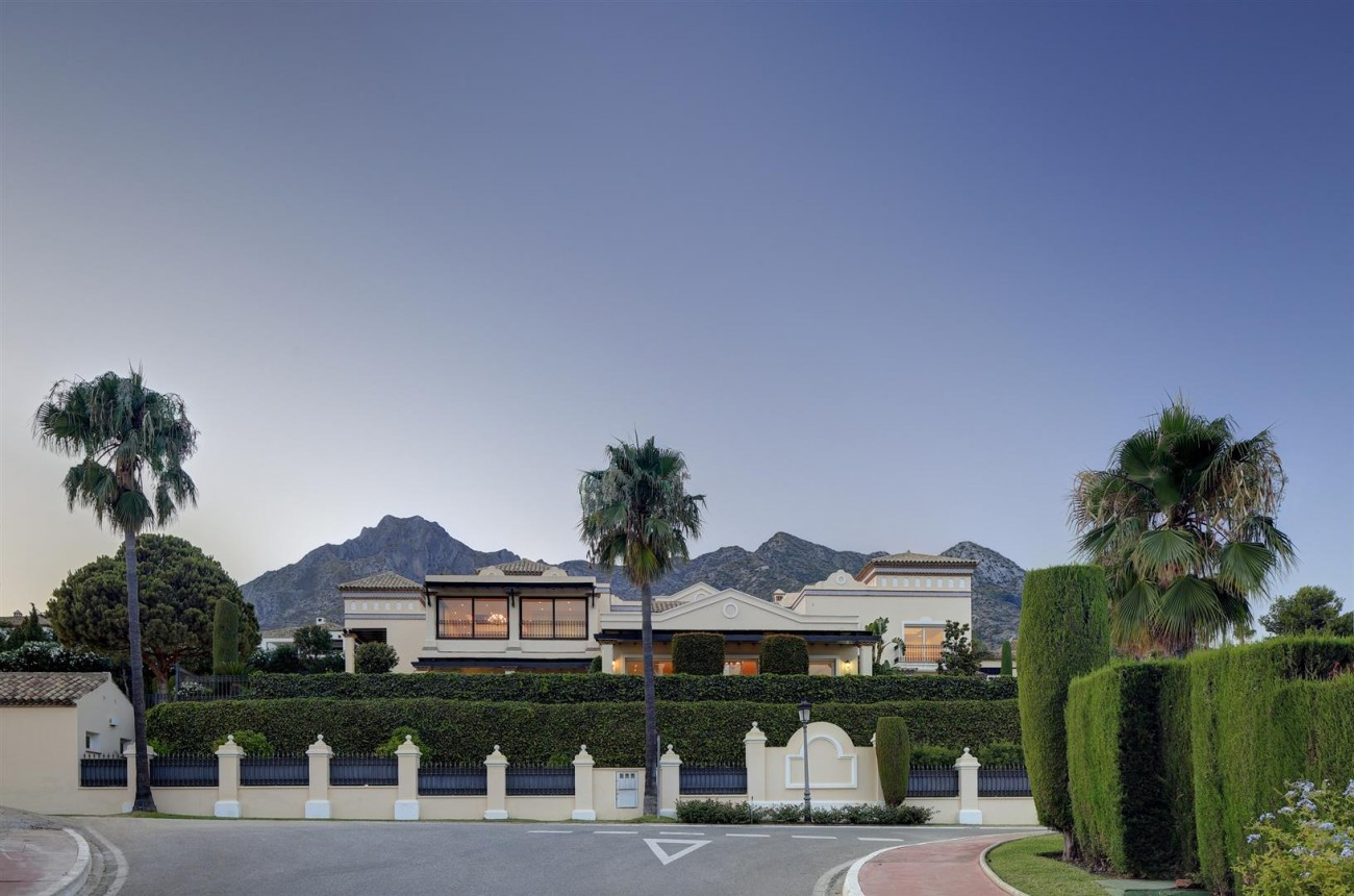 Luxury Mansion for sale Marbella Golden Mile Spain (13) (Large)
