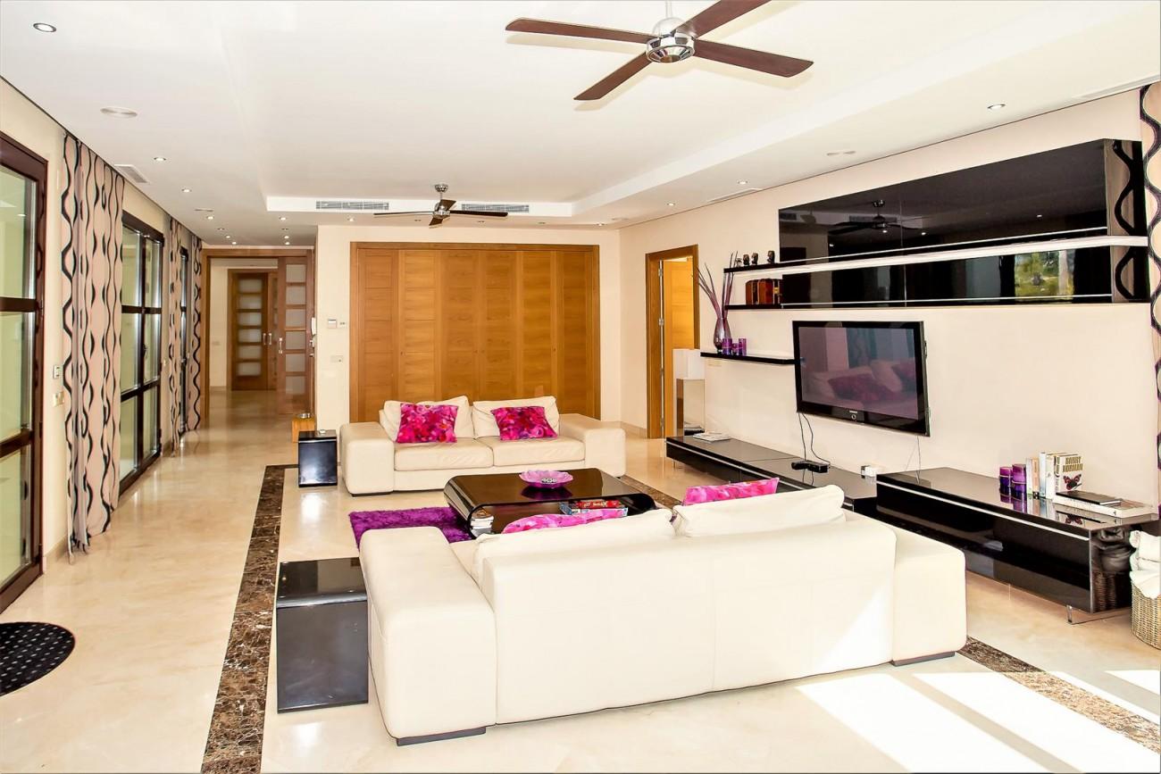 Luxury Mansion for sale Puerto Banus Marbella Spain (26) (Large)