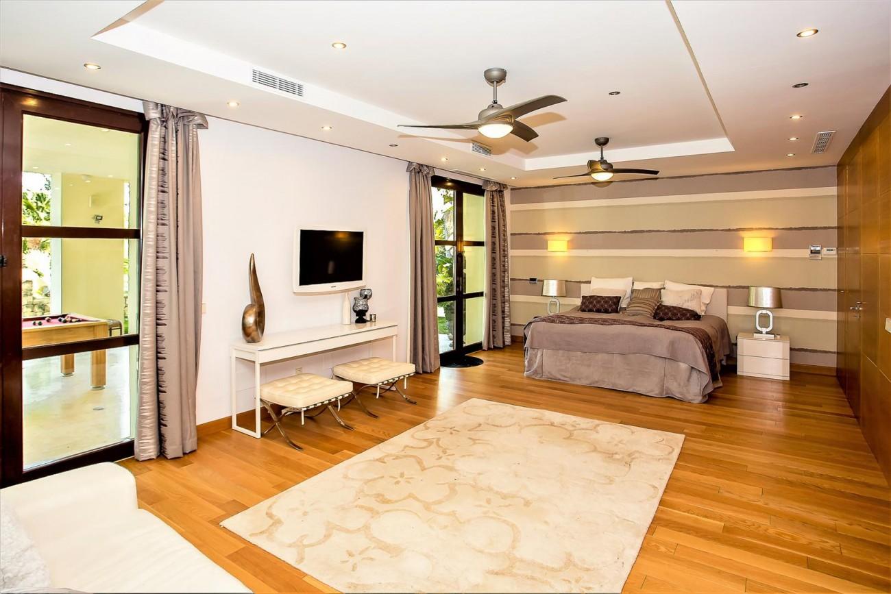 Luxury Mansion for sale Puerto Banus Marbella Spain (28) (Large)