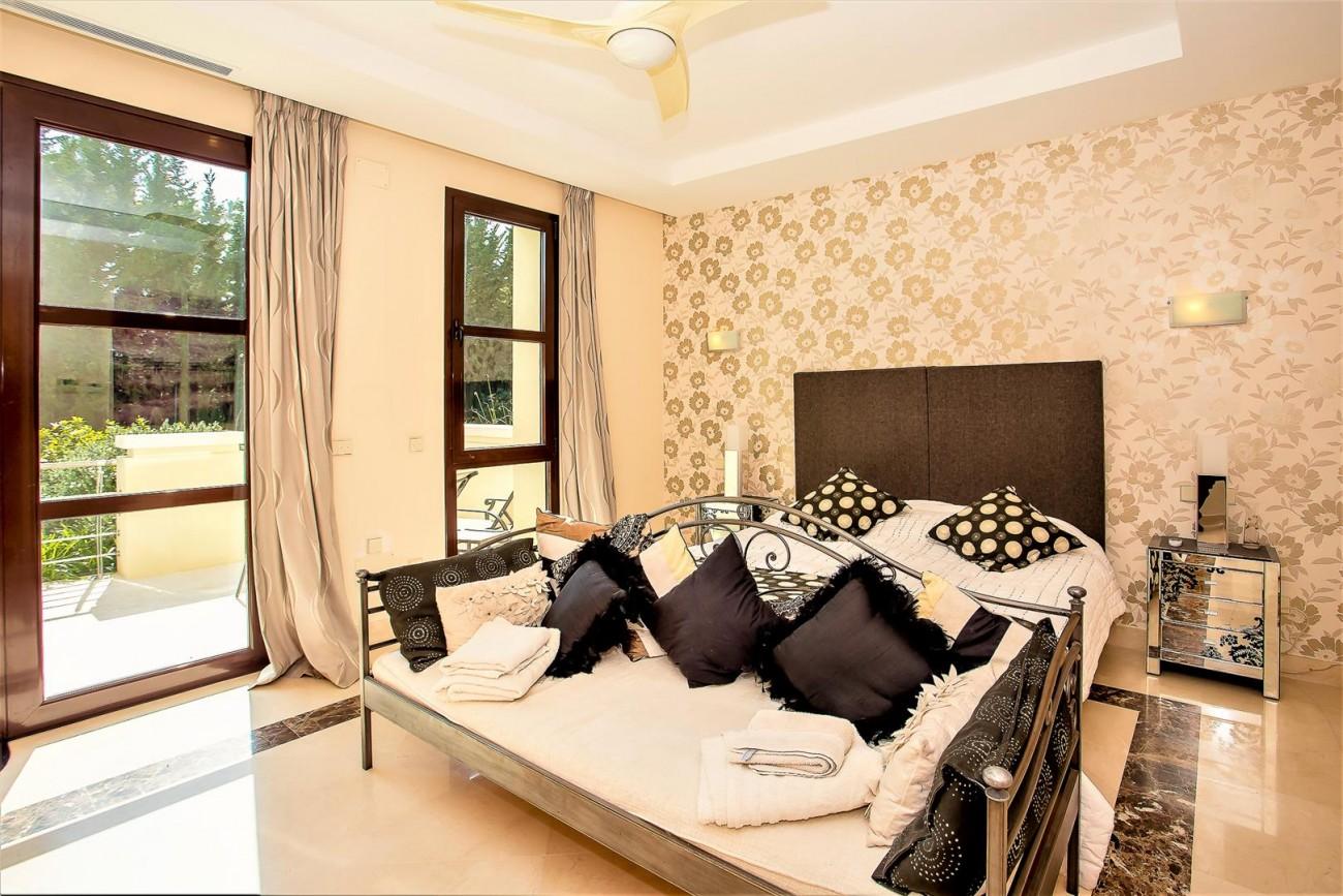 Luxury Mansion for sale Puerto Banus Marbella Spain (31) (Large)