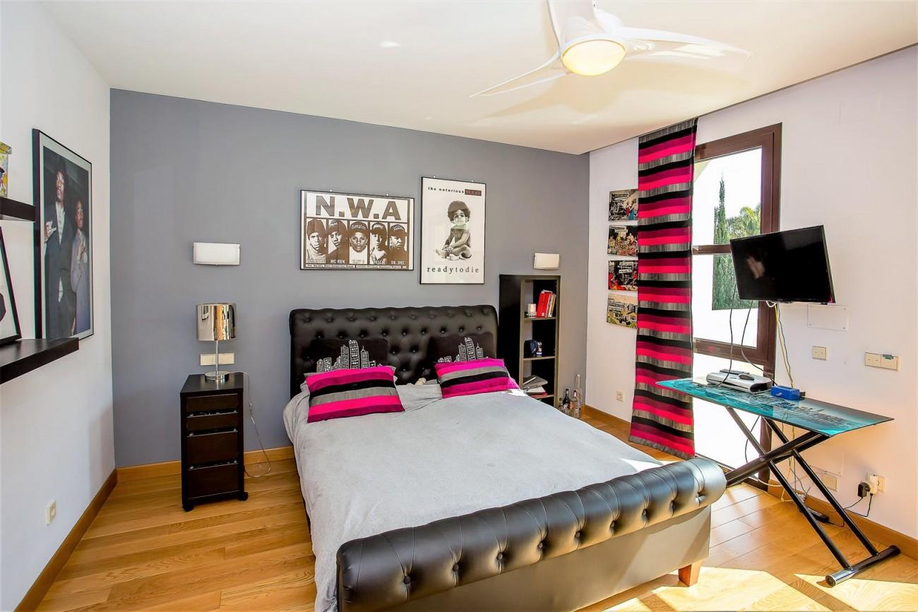 Luxury Mansion for sale Puerto Banus Marbella Spain (36) (Large)