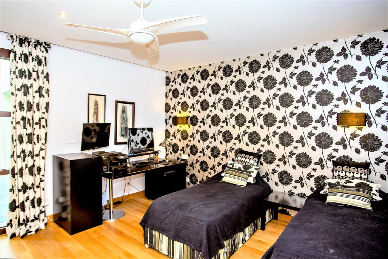 Luxury Mansion for sale Puerto Banus Marbella Spain (37) (Large)