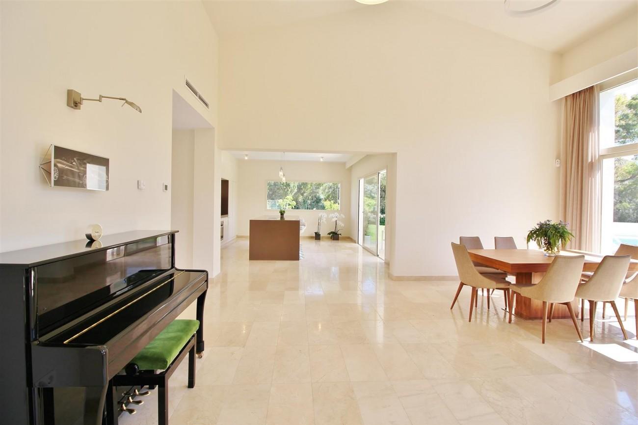 Beachside villa for rent close to Puerto Banus (6) (Large)