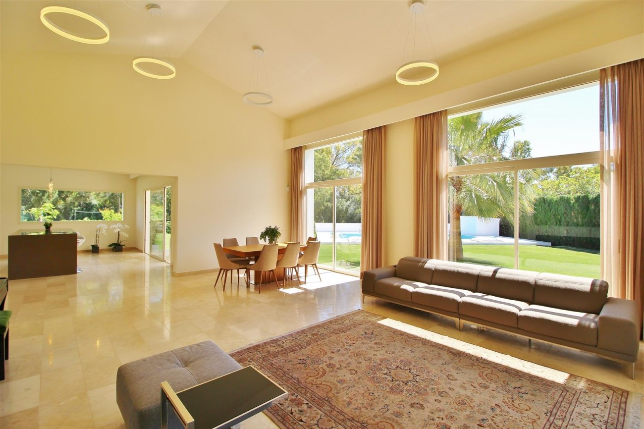 Beachside villa for rent close to Puerto Banus (10) (Large)