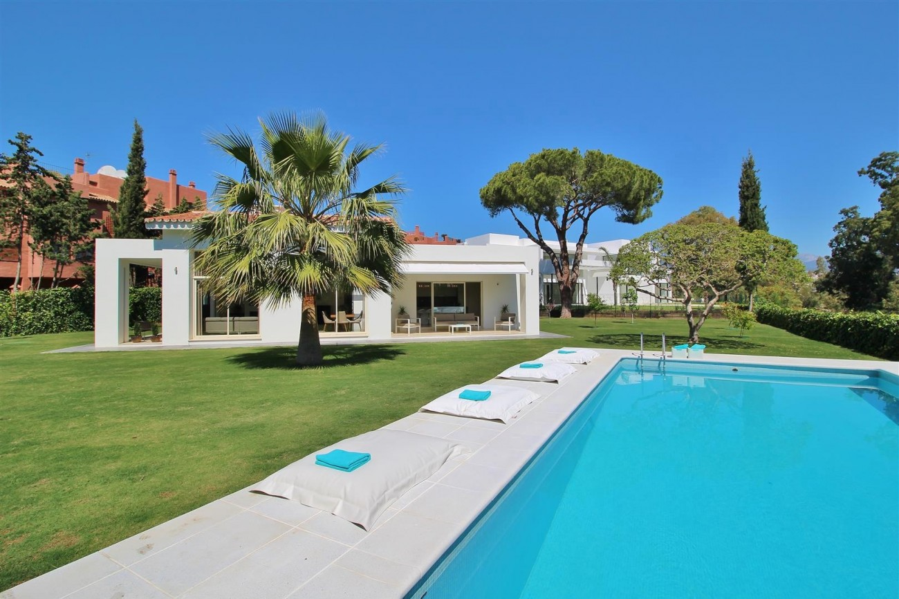 Beachside villa for rent close to Puerto Banus (19) (Large)