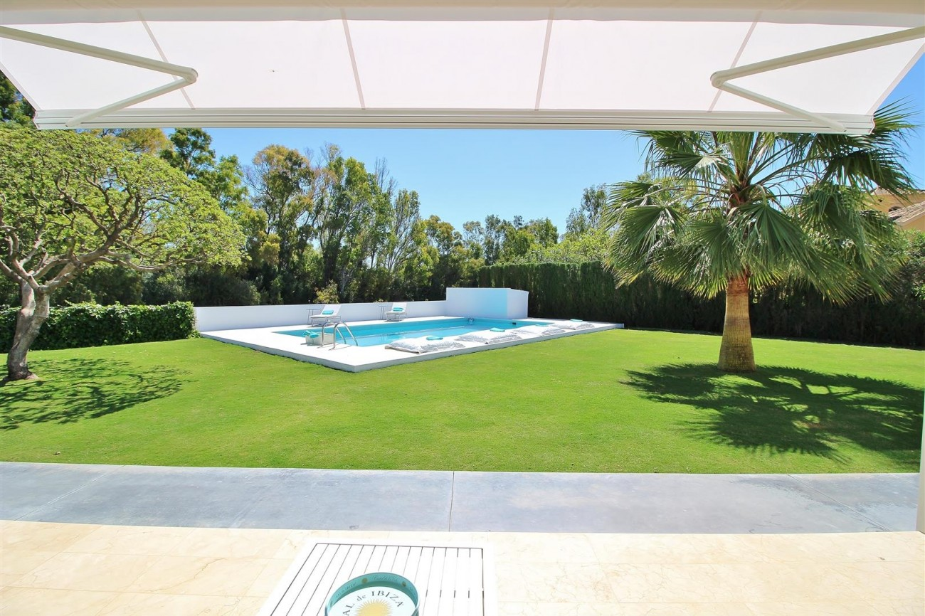 Beachside villa for rent close to Puerto Banus (34) (Large)