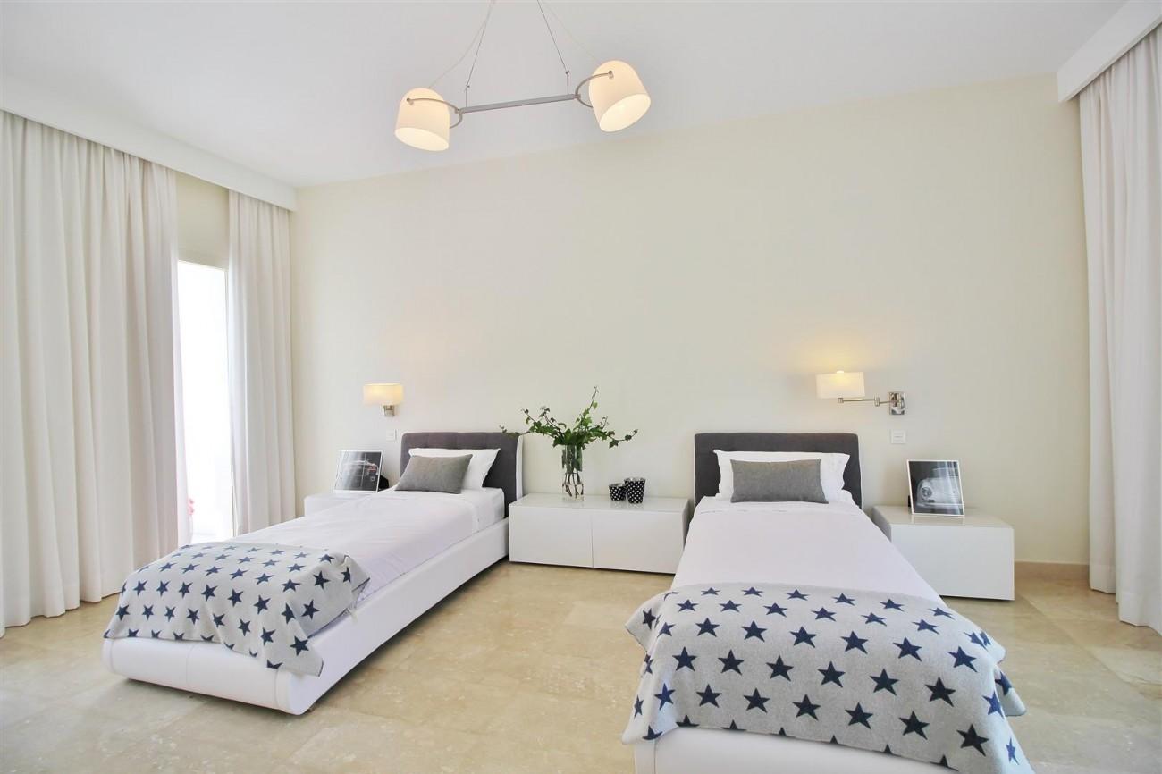 Beachside villa for rent close to Puerto Banus (42) (Large)